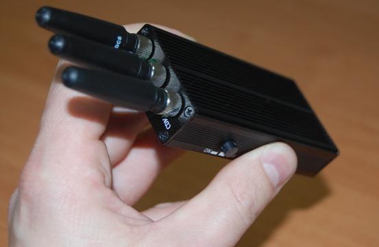 """Мой  """"спец """" советует ставить только GSM систему. простите , а чем глушение GPS отличается от глушения GSM..."""